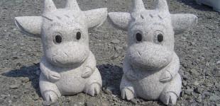 牛の置物(石製)